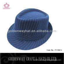 Sombrero de gángster azul con rayas