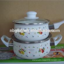 enamel saucepan set with a round body of the pot