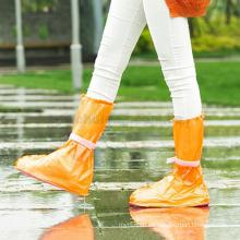 Las botas de lluvia respetuosas del medio ambiente durables vendedoras calientes del PVC cubren la cubierta de lluvia antideslizante impermeable al aire libre para los zapatos