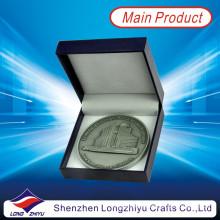 2013 neue kundenspezifische preiswerte Medaillon-Münze mit Papierkasten, antike Münzen-Händler, 3D Jahrestags-Antike-Silbermünzen-Abzeichen für Andenken