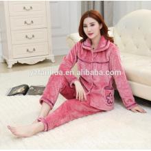 Alta juego de las mujeres pijamas caliente paño grueso y suave en relieve calidad venta por mayor