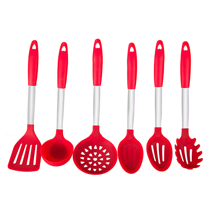 baking and kitchen tools