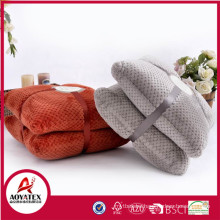 Microfiber plush cushion, Solid Jacquard flannel fleece cushion sets, Honeycomb design flannel fleece cushion set manufacturer