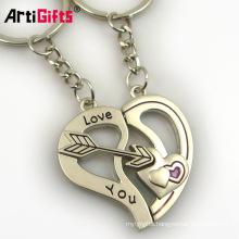 Wholesale custom fashion key chain metal souvenir cute couple breakaway keychain