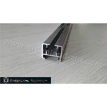 Vertikale Blindschiene aus eloxiertem Silber in Aluminium