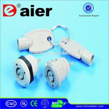 Daier KS-103P-101 12 mm plástico cerradura y llave de juguete