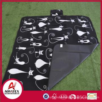 Easy-carrying waterproof polar fleece picnic mat
