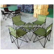 Los fascinantes conjuntos Camping con mesa y sillas para senderismo.