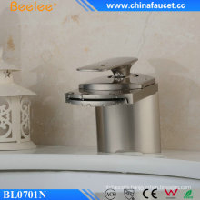Waterfall Bathroom Upc Basin Faucet with Single Handle
