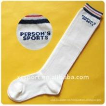 Nuevos cómodos cómodos baratos de la absorción los 100% hombres suaves del algodón calzan los calcetines