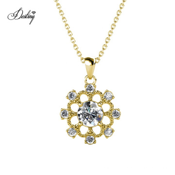 Women Jewelry Vintage Elegant Gold Flower Pendant Necklace