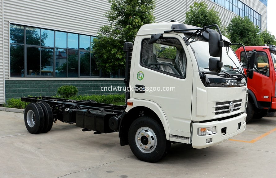 dongfeng water bowser chassis 1