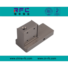 Traitement de pièces en aluminium de précision personnalisé