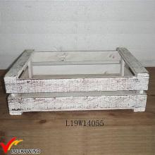 Pequenas caixas de plantador de madeira de abeto branco rústico