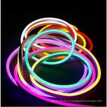 O diodo emissor de luz flexível mais barato do RGB descasca a luz de néon 2835 120leds 110v para a decoração exterior