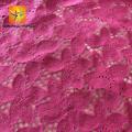 Vestido de noiva em tecido de renda flor 3d