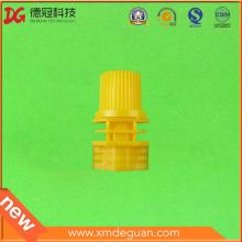 Caño de plástico de alta salida de 8,6 mm con tapa montada