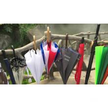 Hochwertiger rot blau weiß bunter Holzrahmen 23 Zoll Regenschirm für den Außenbereich