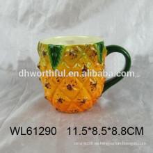 Taza de cerámica de la venta caliente con diseño de la piña