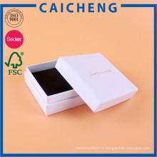 Boîte-cadeau faite sur commande de papier blanc de spécialité de carton avec l'éponge flanelle