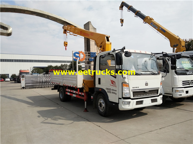 HOWO 4ton Truck Mounted Articulating Cranes