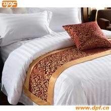 100% Polyester Kundenspezifisches Hotel Bett Schal (DPF2667)