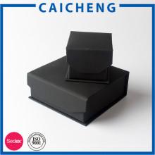 Boîte de cadeau en carton noir mat Boîte à bijoux en carton petit emballage