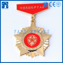 Dangle metal star shaped gold medals