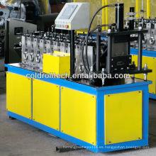 Perno de metal y rodillo de pista que forma la máquina