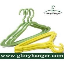 Пластмассовая вешалка для вешалок