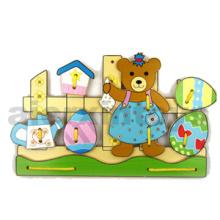 Wooden Lacing Bear (81429)