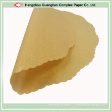 Le papier de cuisson non blanchi arrondit les doublures de moule à gâteau en silicone