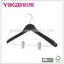Gilet de manteau en bois chic et vendu avec des clips métalliques en finition brillante noire