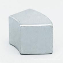 Custom arco segmento NdFeB Neodymium Ímã de preço competitivo