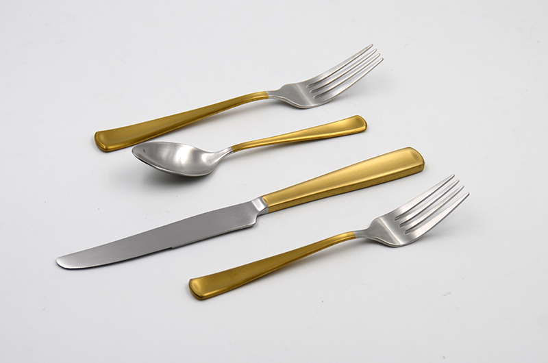 Golden color coating handle 4pcs cutlery flatware set