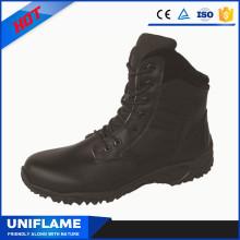 Mitte geschnitten, schwarzen Stoff und Leder oberen Reitstiefel Sicherheit