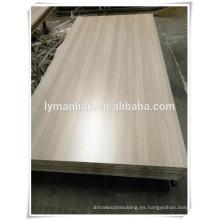 Madera contrachapada de la chapa de la teca 4 * 8 / madera contrachapada de la chapa de la ceniza / madera contrachapada barata en venta para los muebles