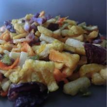 bocadillos crujientes vegetales fritos al vacío mezclados