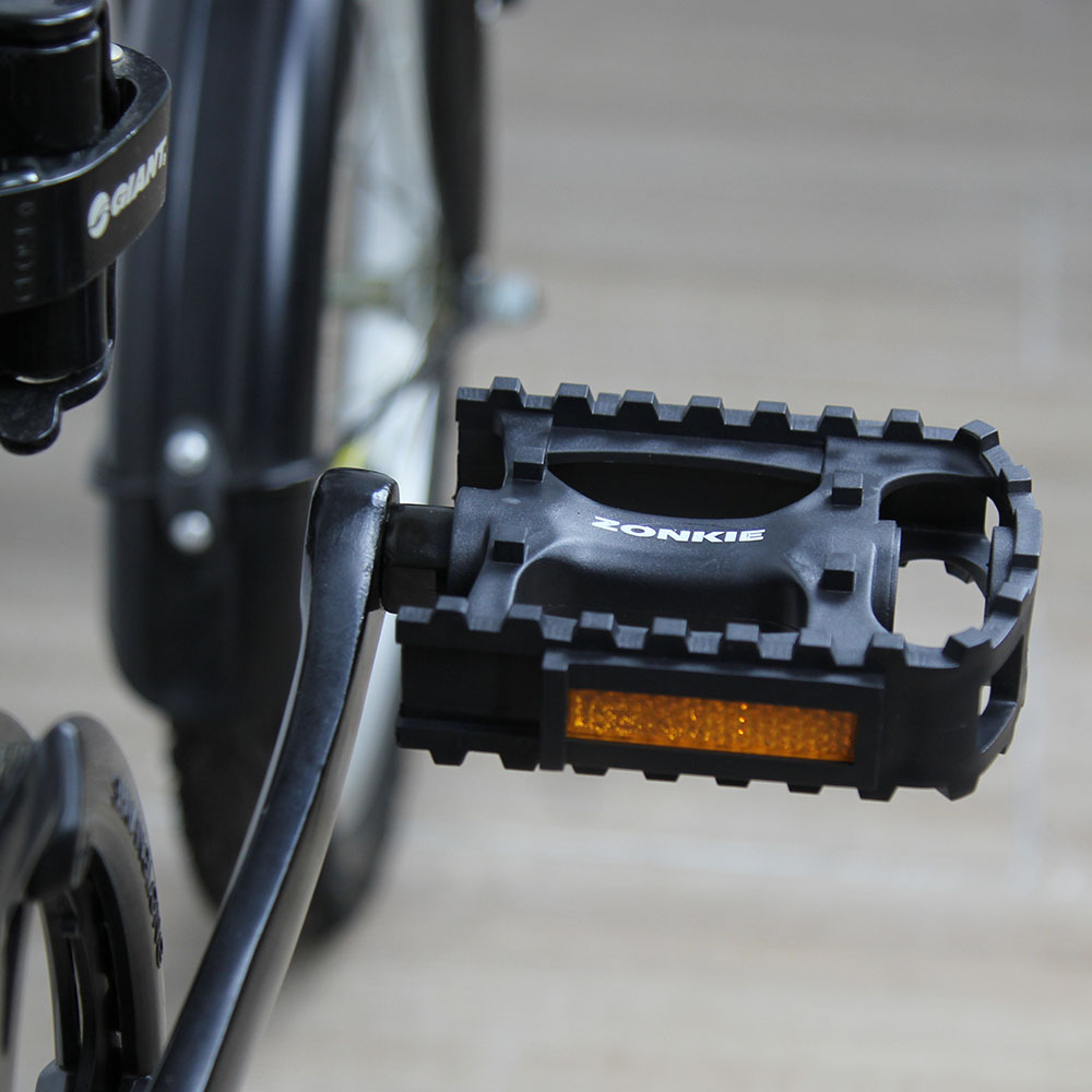 bike pedals with toe clips and straps