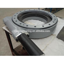 turntable drive for single axis solar tracking system