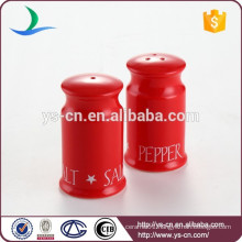 Wholesale nice red ceramic salt and pepper shaker for kitchen