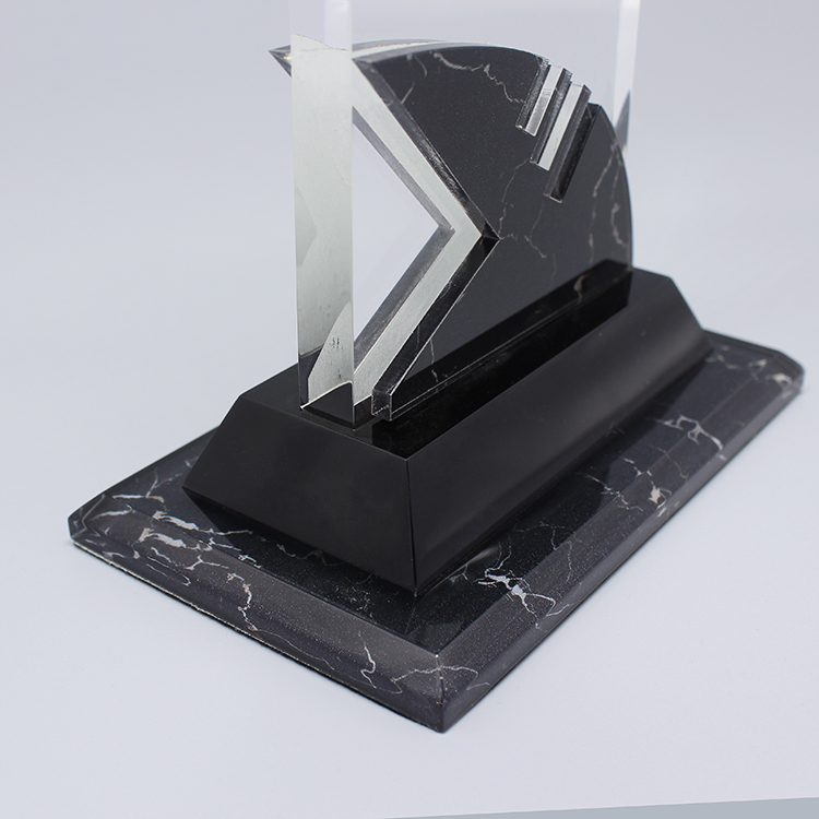 Crystal Awards Supplier
