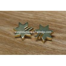 Fornecer vários acessórios de metal zinco liga de metal e rótulo de metal etiqueta de roupas de moda de metal