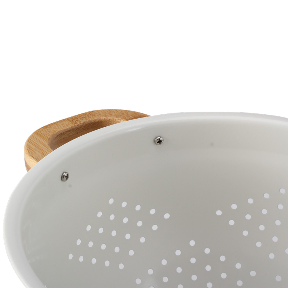 Colander With Bamboo Handle
