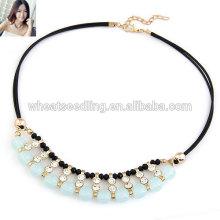 Le dernier collier d'opale simple à la mode