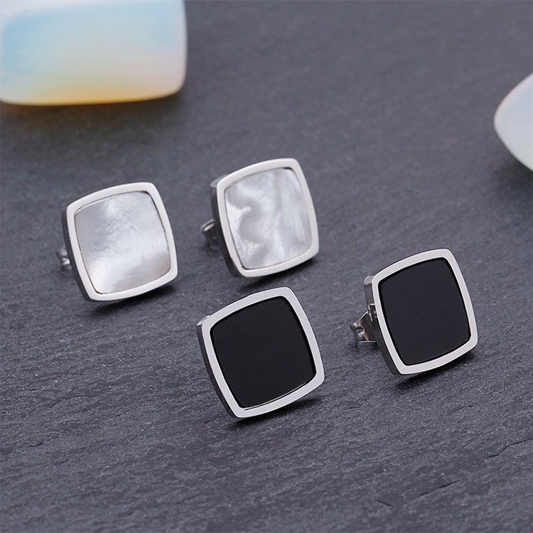 Black Square Stud Earrings