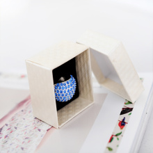 Timeless cardboard jewelry box for wedding rings