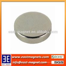 Uso del tamaño del disco para el imán sinterizado industrial del neodimio / el imán más fino del ndfeb de la forma redonda para por encargo