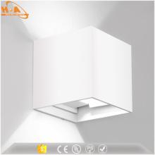 Lámpara de pared montada en la pared de la pared del diseño simple de Sconce