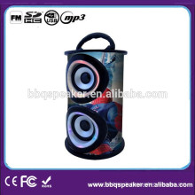 Stehender tanzender mobiler Spieler mit USB SD FM Radio
